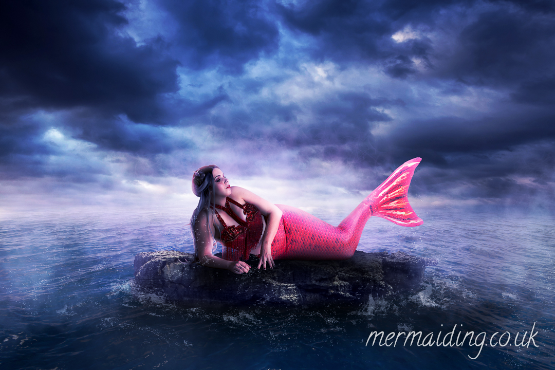 Siren | Fantasy art shoot by Mermaiding UK | mermaiding.co.uk