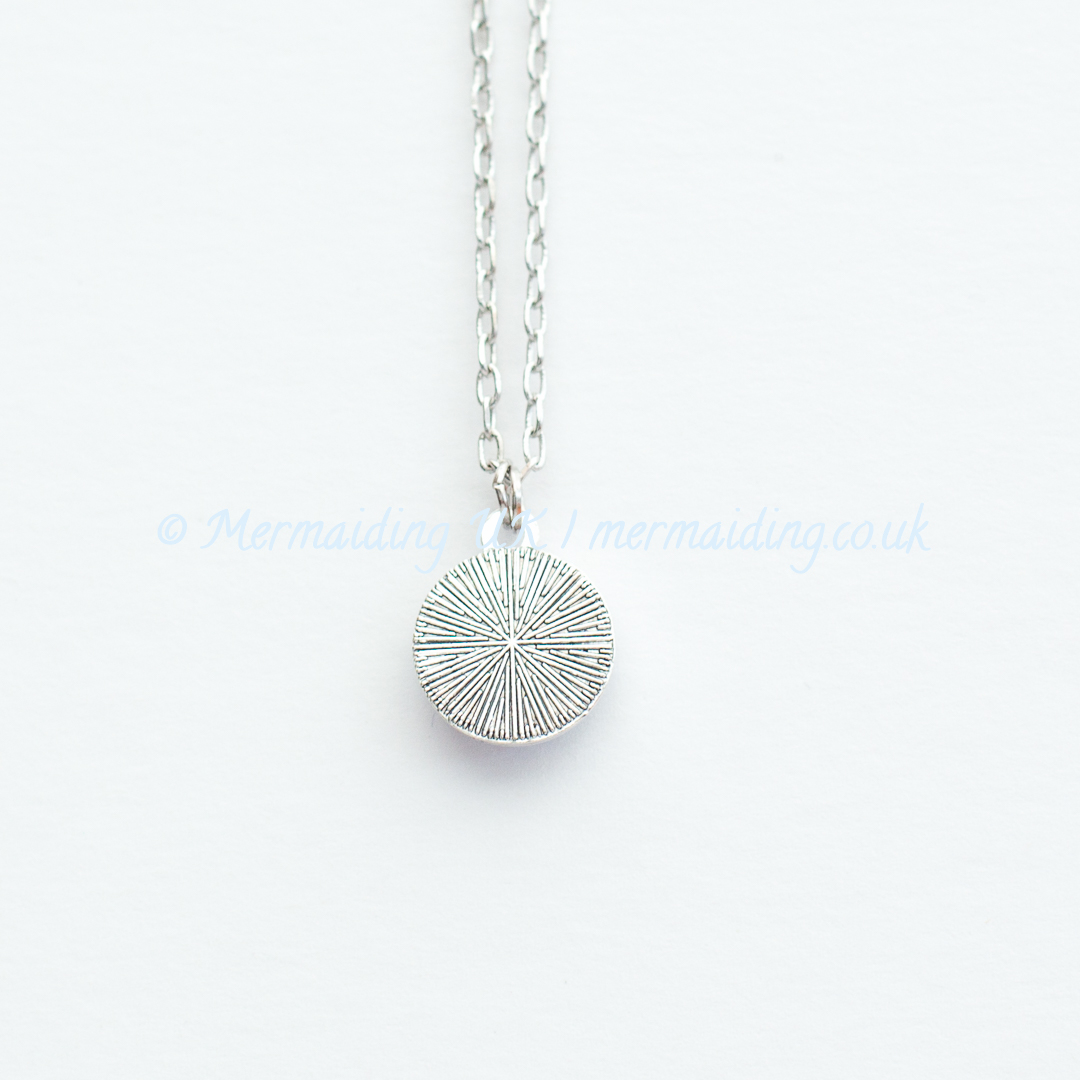 Mermaid scale necklace reverse | Mermaiding UK | mermaiding.co.uk