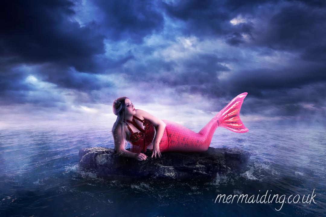 Siren | Fantasy art shoot by Mermaiding UK | mermaiding.co.uk